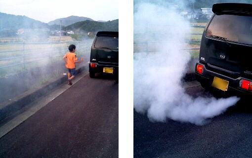 ターボが壊れ、煙がでた車
