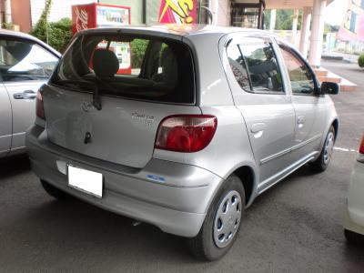 平成13年式・トヨタ・ヴィッツ