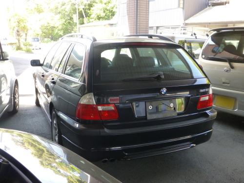 平成13年式・BMW 325i ツーリング・ブラック・本革シート【中古車】