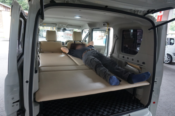 エブリィ-車中泊用ベッド