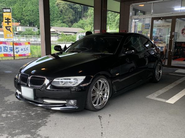 平成23年/BMW320i/クーペ/ブラック/普通自動車
